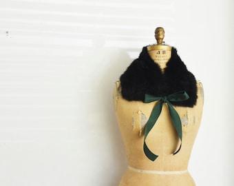 Black fur collar scarf with ribbon