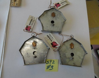 Choose your Rustic Metal Bird Houses Ready to Decorate 3 pcs. S 92