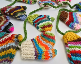 Christmas Garland, Christmas Decoration, Knit Decoration, 12 Days of Christmas, Knitted Mittens, 12 Mittens Garland, Multicolor Mittens