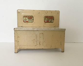 vintage Little Orphan Annie tin play stove 1940s