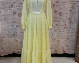 Vintage 70s Prairie Yellow Eyelet Retro Maxi Dress Sz S Gunne Sax Style