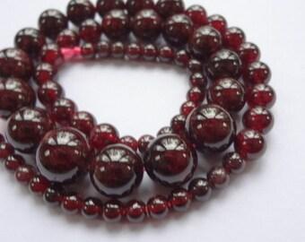 "4-12mm Graduated Round Natural Garnet Gemstone Beads for Necklace - 15"" Strand"