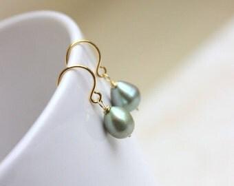 27% Off Sale Sage Green Pearl Earrings teardrop Gold GE16