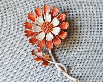 Vintage 1960s Flower Enamel Brooch Light Brown and White
