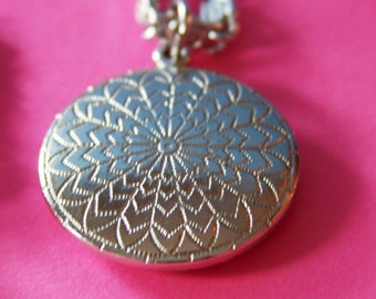 Sarah Coventry Necklace SilverTone  60 inch Chain 1.5 in Disc  1960s  No. N0003