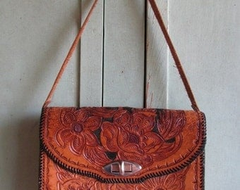 Valentines Day Sale Vintage 1960's Ladies Purse  hand tooled leather purse, Floral, Roses, Folk Art Texana style Texas Southwest design retr