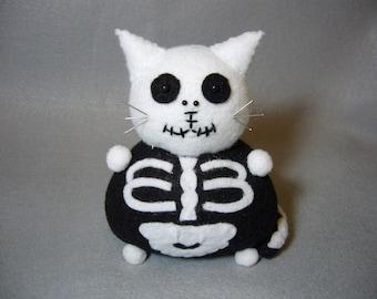 Skeleton cat pincushion, Black and white felt cat, Cute Halloween cat, Halloween decoration, Felt skeleton, Goth cat, Cat lover gift, MTO