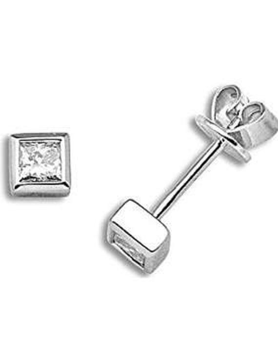 Minimal 18 Carat White Gold and 0.5 Ct Diamond Stud Earrings