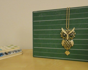 Vintage Gold Toned Articulated Owl Necklace