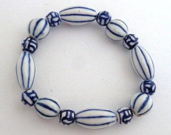 Bracelet - Blue and White, Chinese beads, elastic band, one size fits all, blue and white, Chinese jewelry, Chinese bracelet, jewelry