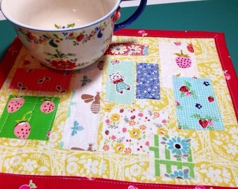 Cheery Mug Rug Summery Mug Mat Fun Mug Rug Art Quilt Cute Mini Quilt Cottage Style Decor Whimsical Table Mat Cheery Placemat Fabric Collage
