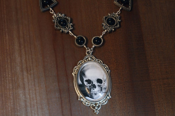 Neo Victorian Style Jewelry - Necklace - Skull Cameo - Silver Tone