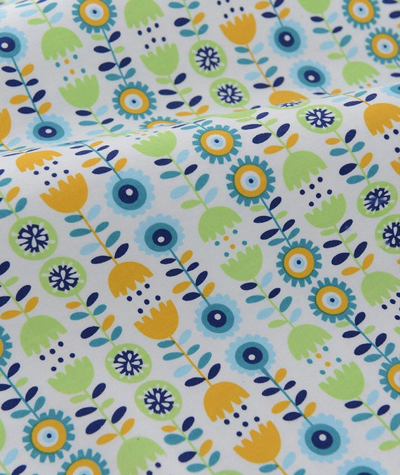 4067 - Retro Flower Cotton Jersey Knit Fabric - 67 Inch (Width) x 1/2 Yard (Length)