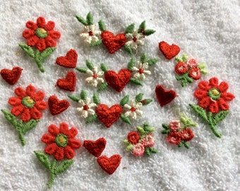 Vintage embroidered appliqués small hearts flowers 18 pieces