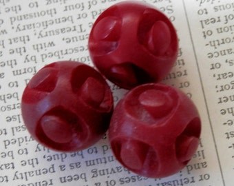 VINTAGE BUTTONS 3 Uniquely CARVED Rounds Cranberry Red