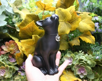 Moon Gazing Cat - Lucky Lunar Black Cat Sculpture - Concrete Garden Decor