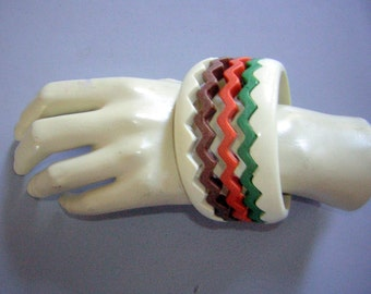 Stack ZigZag Bracelet Set - Early Plastic Vintage late 50s early 60s Kitsch but NOT Bakelite - Set of 5 Fall Colors