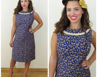 50s Blue Paisley Wiggle Dress with Crochet Collar, Size Medium