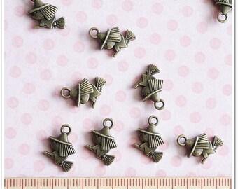 10 pcs Cutie Mini Witch metal charm Antique Brass color