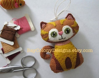 INSTANT DOWNLOAD Felt Ornament Sewing Pattern-- Kitten Love (92115)