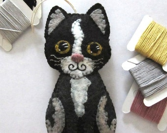 INSTANT DOWNLOAD Felt Ornament Sewing Pattern -- Tuxedo Tom (92915)