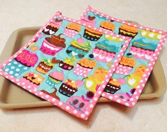 Cupcake Pot Holders, Quilted Potholders, Fabric Potholders, Cupcake Hotpads, Hostess Gift, Handmade Pot Holders,  Shower Gift
