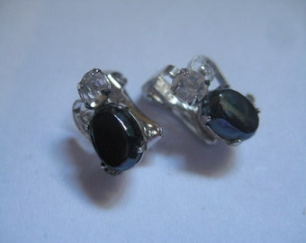 5 Dollar Listing Jet and Crystal Vintage Clip On Earrings