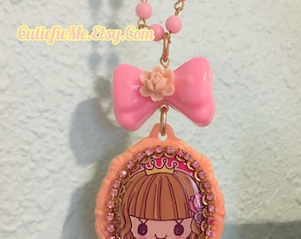 Kawaii Cartoon Girl Cameo Setting Pink Beaded Necklace With Flower Bow