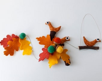 Felt ornament Oak, birds and acorns leaves hanging, felt, leaf motifs, original gift nature inspired