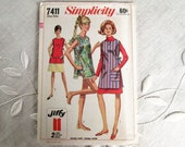 Vintage Pattern Jiffy Apron or Beach Cover-Up Pattern 1960's 1967 Complete Uncut Simplicity 7411 One Size