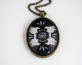 Crow's Nest Pendant (Black), Large Vintage Style Brass Oval Pendant with Illustration by June Hunter, Crow Lover Gift