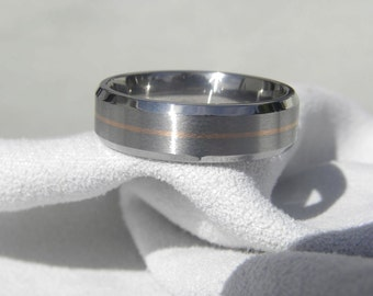 Titanium Ring with Beveled Edges Centered Rose Gold Pinstripe Inlay