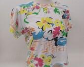 Vintage 1980s Cropped T Shirt Button Shoulder Tropical Flowers Rockettes Large