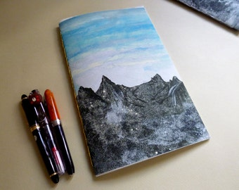Mountains in Norway : Reine i Lofoten (Boutique Notebook/Sketchbook with Giclee Cover - White Amatruda Handmade Paper - Gold Waxed  Thread)