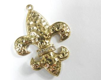 Hammered Fleur de Lis Band of Rhinestones Pendant Gold-tone