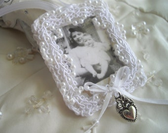 Memory Photo Holder For Bridal Bouquet Crochet Pearls Heart Featured at Martha Stewart Wedding Party Charm Handmade by handcraftusa