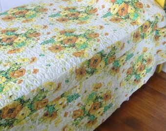 Vintage Bedspread, Quilted Bedspread, Vintage Bedding, Floral Bedspread, Twin Bedspread, Full Double Bedspread, yellow green bedding