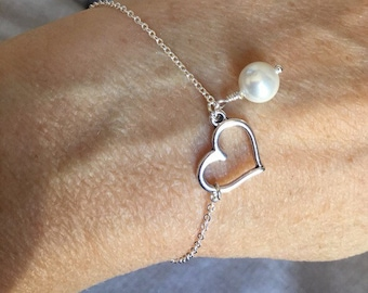 Heart and pearl bracelet, Bridesmaid Gift, Heart Charm Bracelet, personalized jewelry