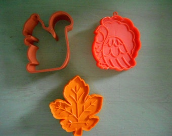 Lot of 3 vintage Hallmark Thanksgiving fall cookie cutters