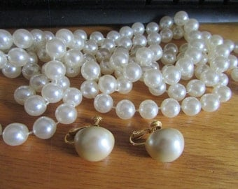 Flapper pearl necklace & clips