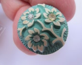 Vintage Buttons - Cottage chic 1 special green buffed celluloid, flower design with rhinestones (oct 107)