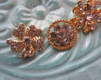 Vintage Button - 3 assorted rhinestones, clear glass rhinestone and metal styles flowers, gold antique finish metal,  (lotjun35c)