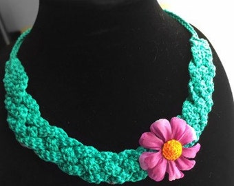 Free form crochet minimalist necklace
