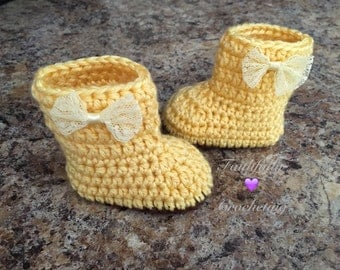 Newborn boots... Crocheted shoes... Ready to ship