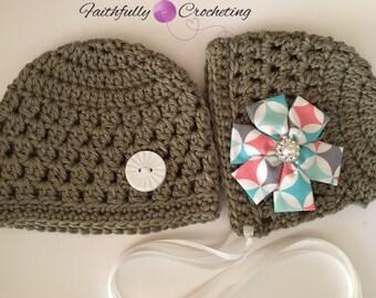 Newborn twin hats.. Boy girl twin set.. Photo prop.. Ready to ship... Bonnet beanie set