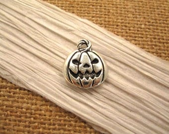Antique Pewter Jack O'Lantern Charm from Terracast