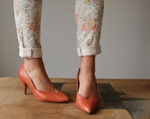 1980s Burnt Orange Pumps >>> Size 8