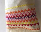 Cross body handwoven geometric adjustable strap bag