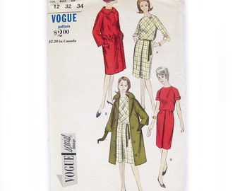 1960s Vintage Vogue Sewing Pattern / Coat Pattern / Street Length Coat / Vogue 6082  / Size 12 UNCUT FF