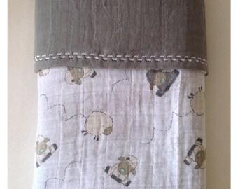 Sheep muslin baby blanket - reversible grey blanket - baby boy girl stroller blanket - nursery sheep blanket - baby gift - baby shower gift